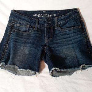 🛍️ American Eagle ladies Jean cut off shorts